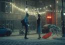 Η χριστουγεννιάτικη διαφήμιση με τη Σταχτοπούτα στο σήμερα που κάνει αίσθηση