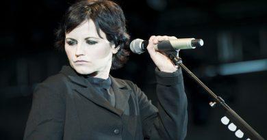 Πέθανε η τραγουδίστρια των Cranberries, Ντολόρες Ο'Ριόρνταν